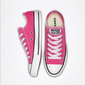 NEW Converse Chuck Taylor Low 11 Strawberry Jam